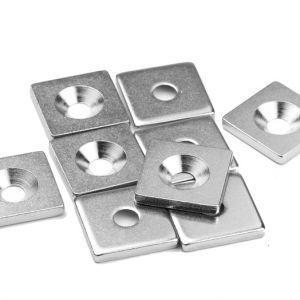 Firkantskive i stål 20 x 20 x 3 mm, forsenket
