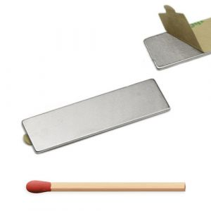 Selvklebende blokk magnet 40 x 12 x 1 mm