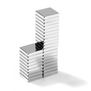 Blokk magnet 10 x 10 x 2 mm, N45