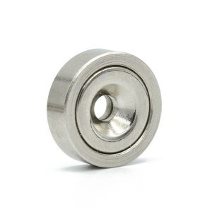 Praktisk magnet Ø 20 mm med monteringshull
