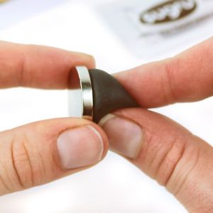 Sugru Repair KIT med 4 stk. neodym magneter, sort