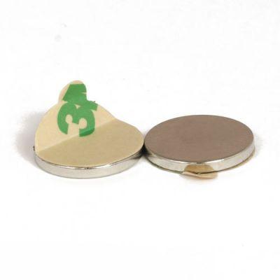 Selvklebende disk magnet Ø 17 x 2 mm